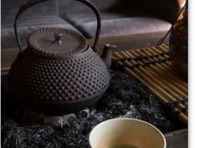鉄瓶と抹茶